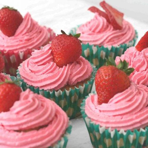 easy strawberry cupcakes