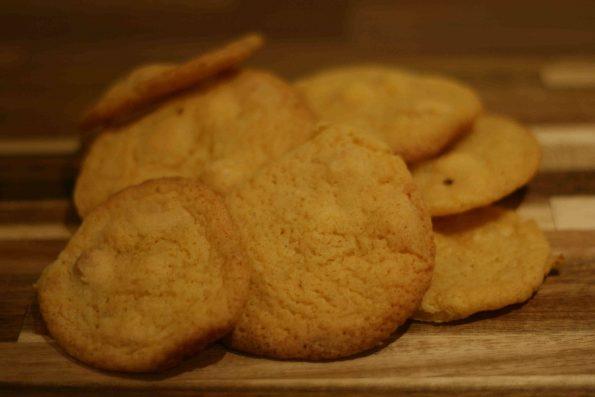 white chocolate and custard biscuits