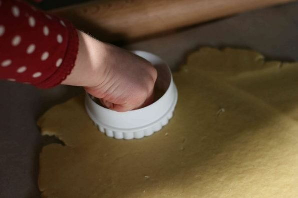 cutting out jammie dodger biscuits