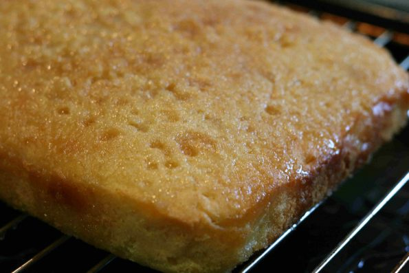 easy lemon drizzle cake (Mary Berry)