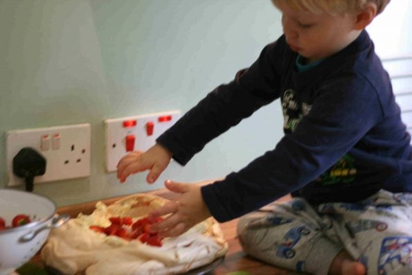 kids making mary berry pavlova