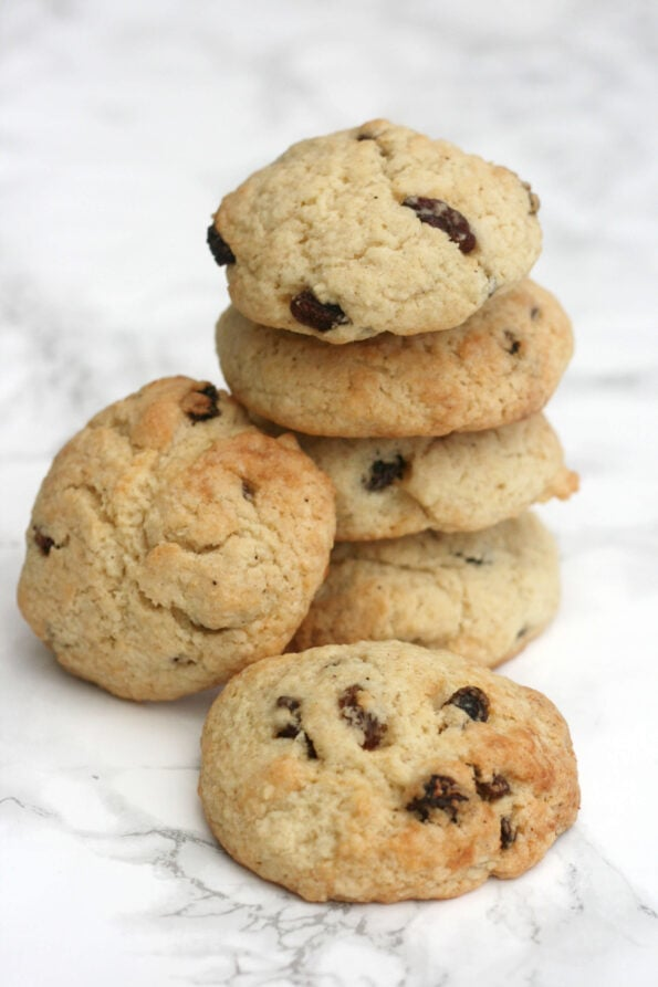 rock cakes (rock buns) in a pile