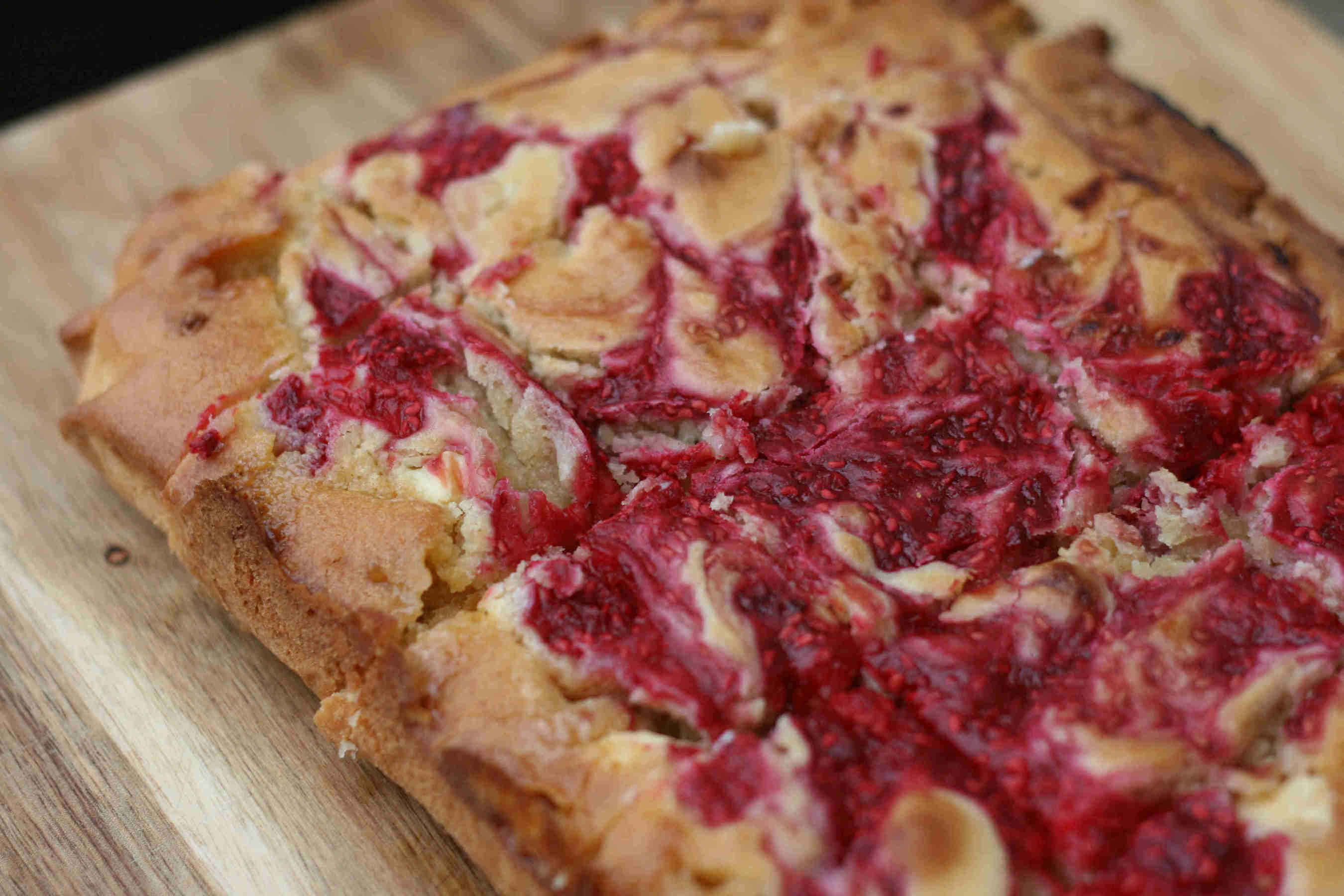 raspberry blondies