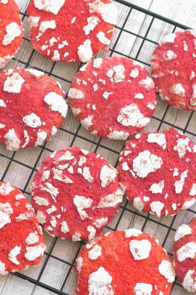 valentines day crinkle cookies 17