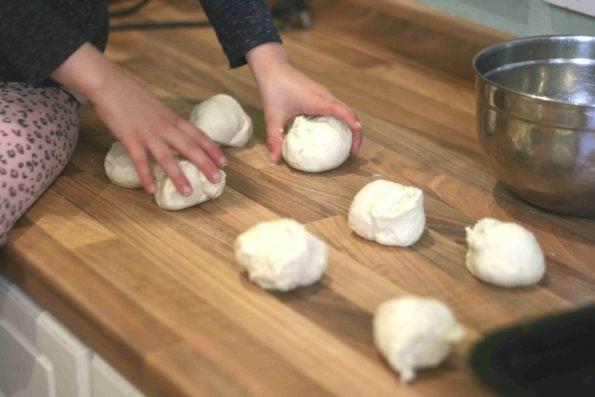 making easy bread rolls