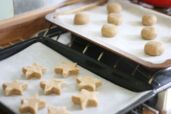 Lebkuchen cookies before being baked.