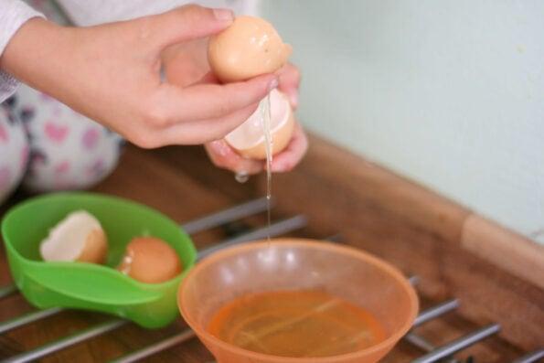 separating egg yolks from whites