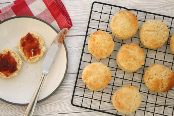 Plain scones on a wire rack