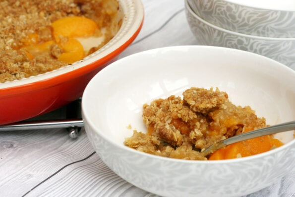 peach crumble in a bowl