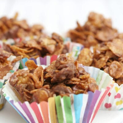 chocolate cornflake cakes in colourful cases